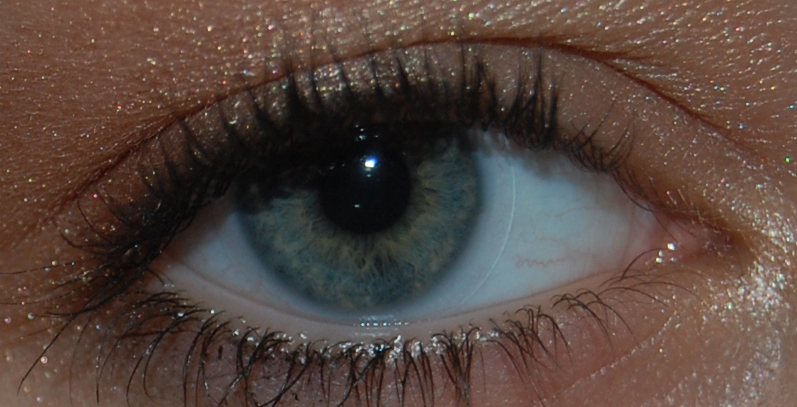 How Long Can You Wear Your Contact Lenses For?