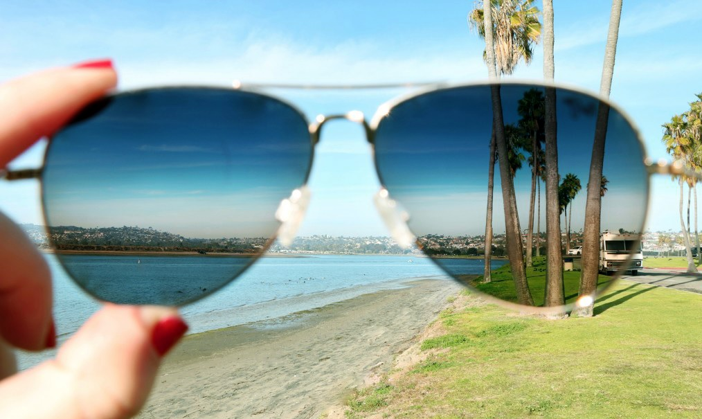 polarized sunglasses glass lenses  What Does Polarized Sunglasses Mean? - Contacts Advice