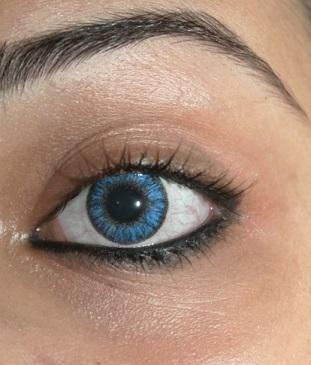 blue color contact lens